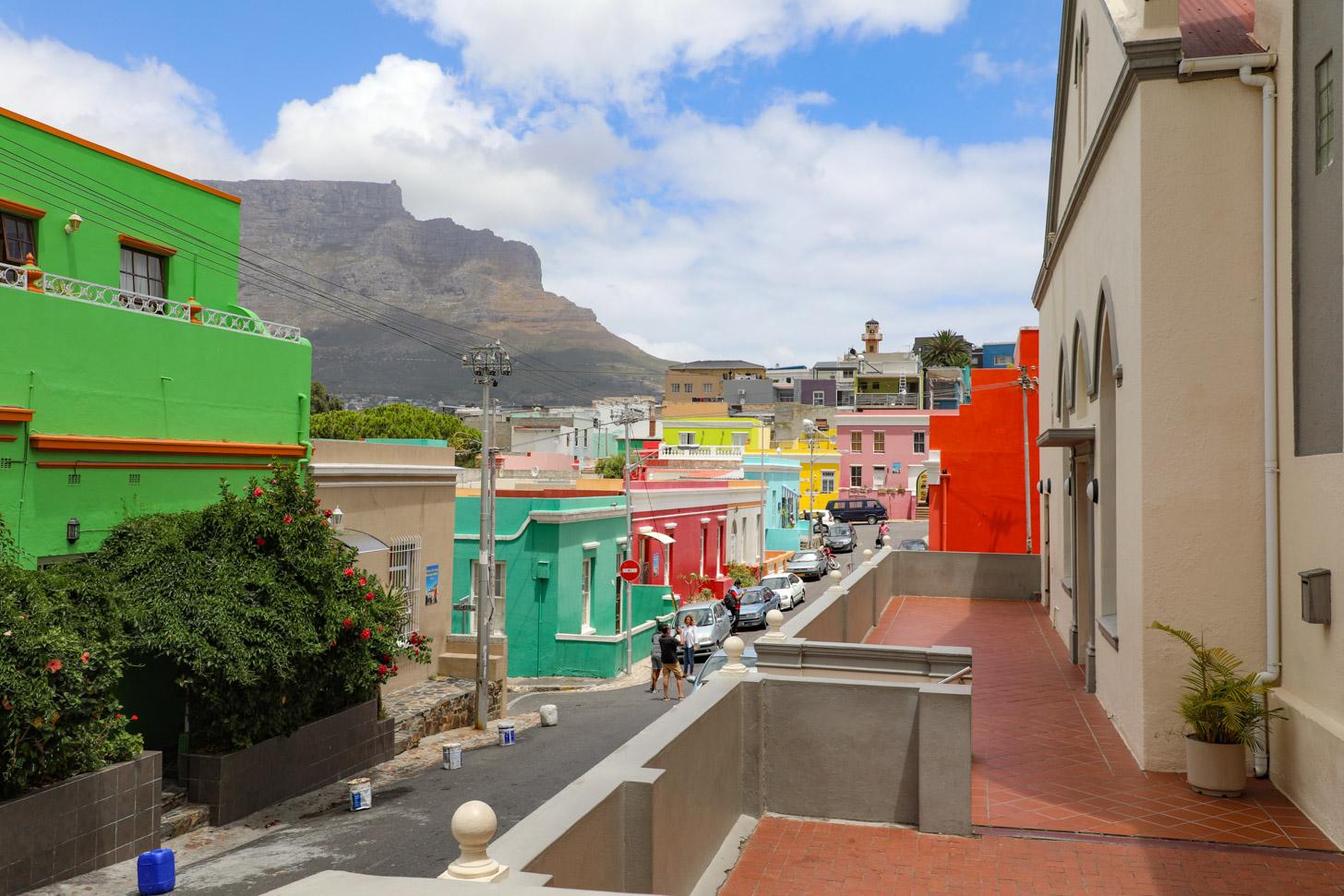 De kleurrijke huizen van de wijk Bo-Kaap